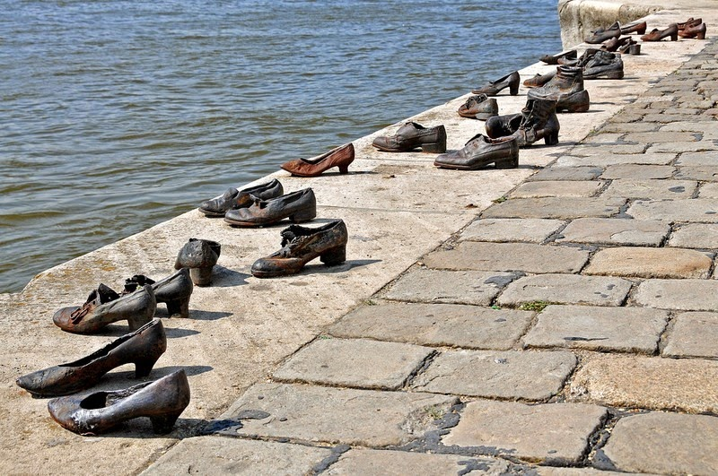 shoes-on-danube-5[6]