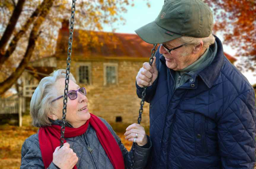 old-people-couple-together-connected.jpg pexels Pixabay