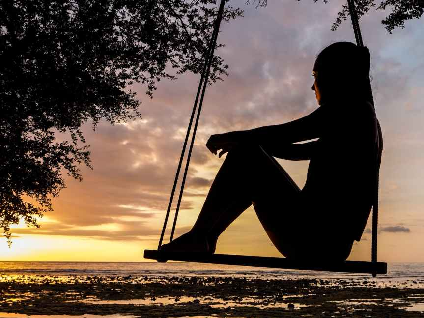woman in a swing pexels-photo-289998.jpeg pixabay